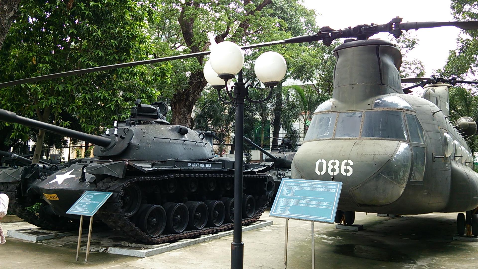 ホーチミン市内観光~戦争証跡博物館~