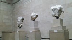 彫刻の一部