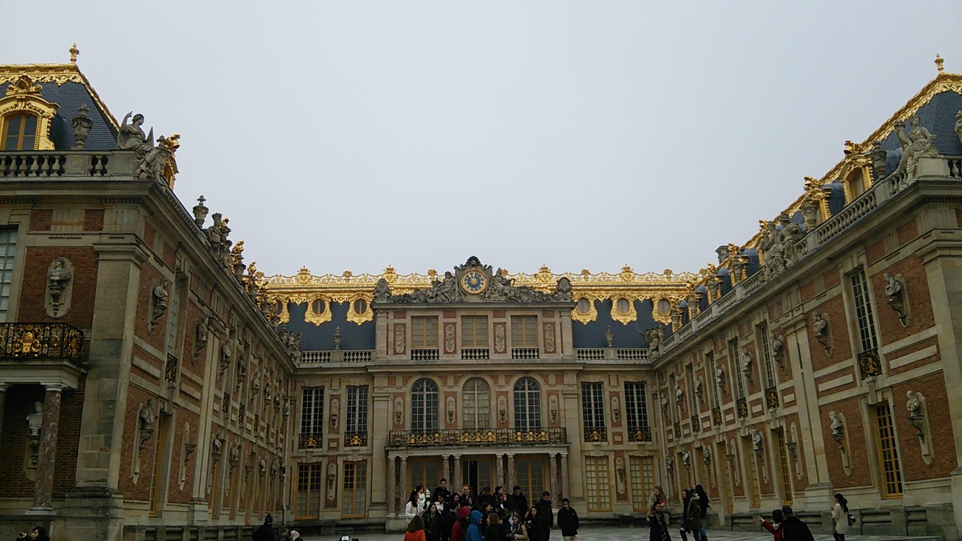 ヴェルサイユ宮殿でパリの中世を感じる