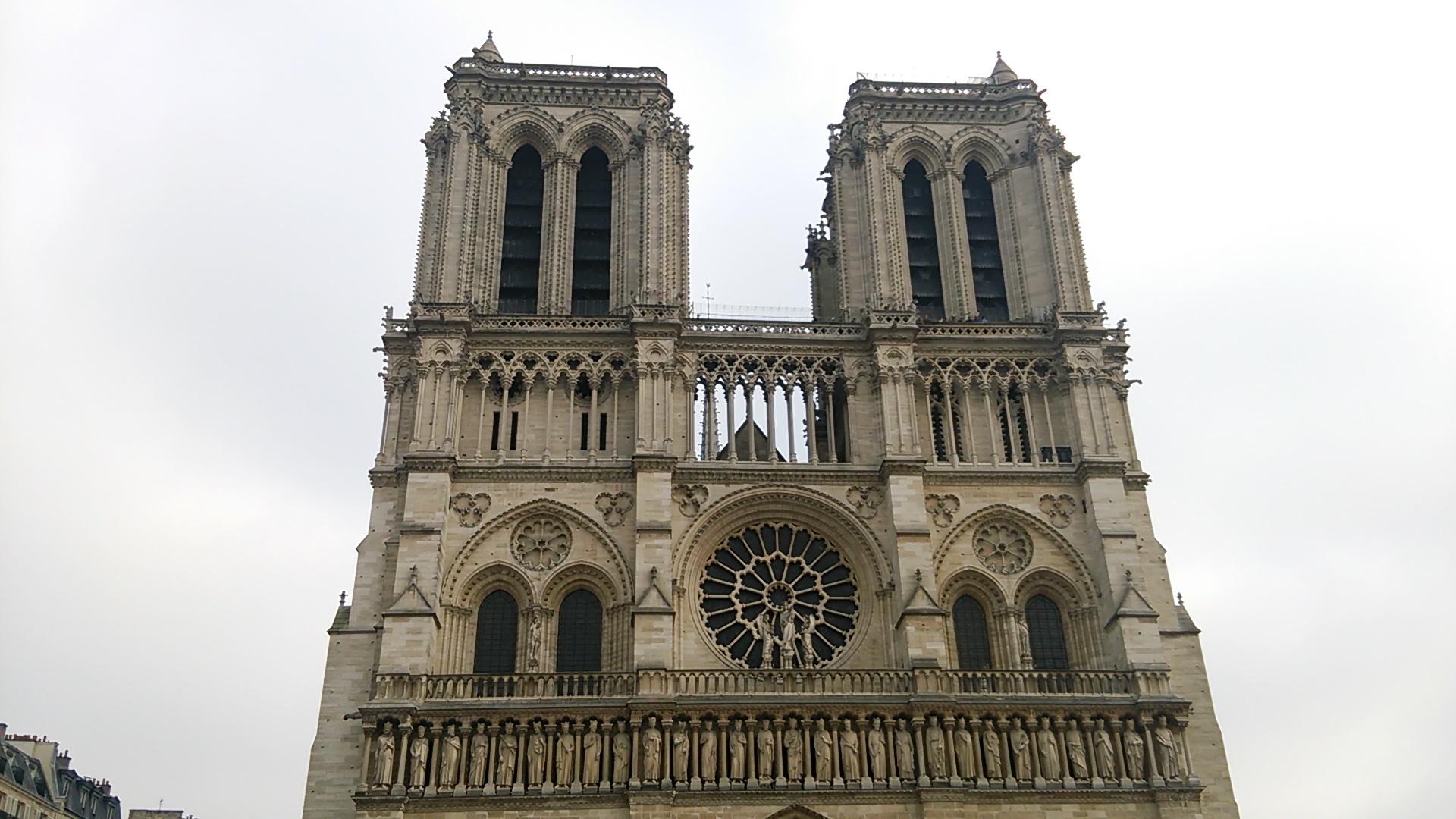 ノートルダム大聖堂で心の洗濯