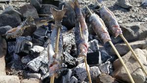 炭火で塩焼き